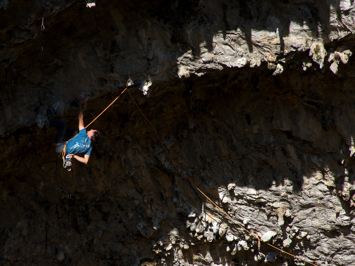 Two new hard first ascents in istria for Couch surfing