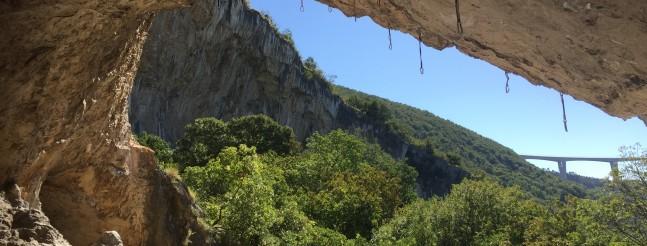 Tedis cave