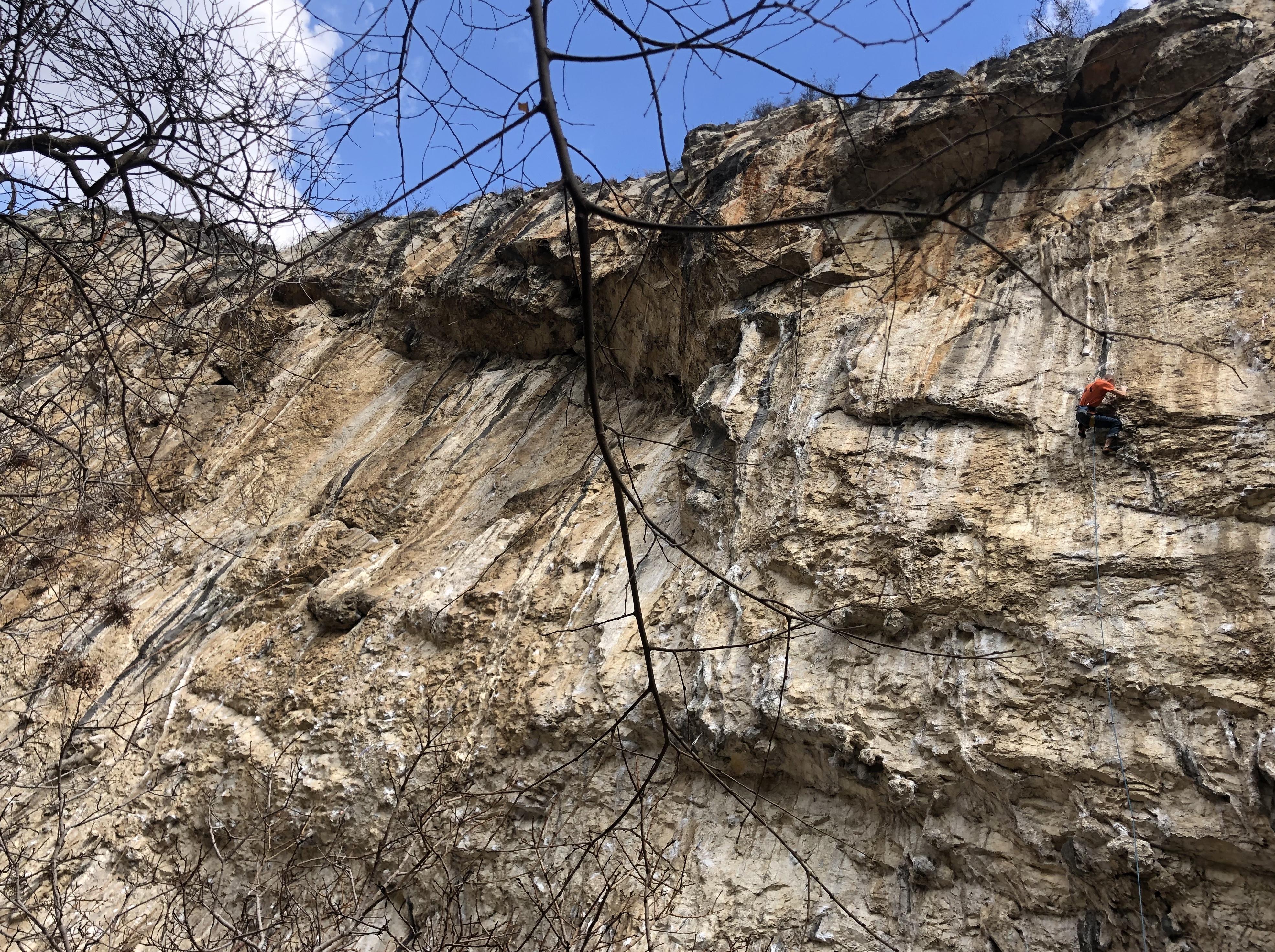 Mitja Jereb climbing Kaj ti je deklica (8b+) in Mišja peč